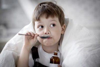Ребенок с сиропом