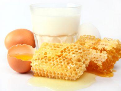молоко с яйцом и медом